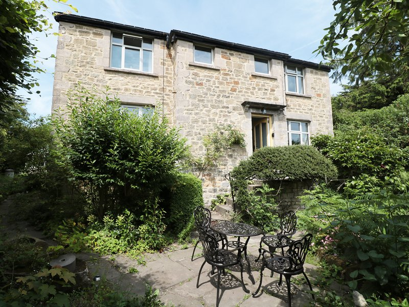 HAWKFIELD, pet-friendly, lovely garden, walking distance to Chatsworth, Baslow, location de vacances à Eyam