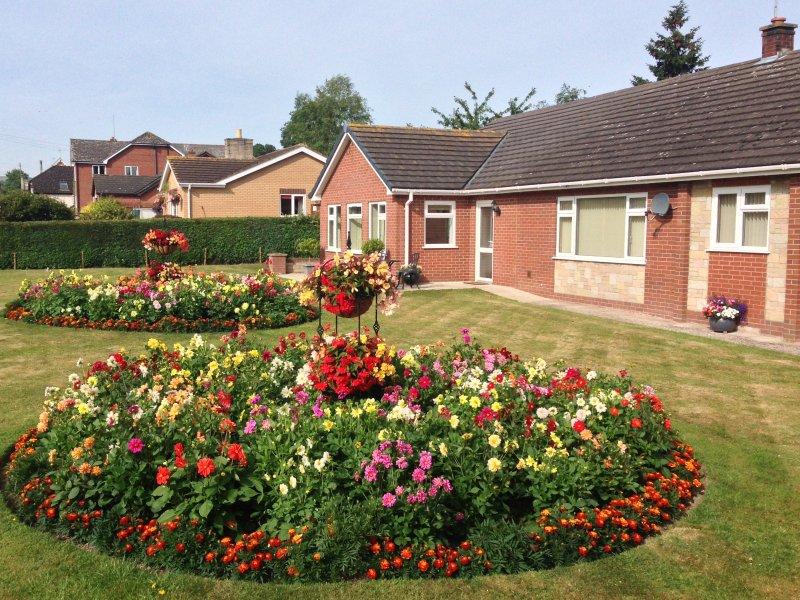 TAYBERRY, single-storey annexe, country setting, great walking and touring, vacation rental in Kerry