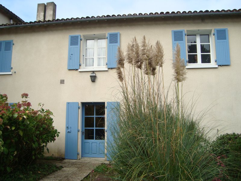 Modern flat in Scille, Deux-Sevres, holiday rental in Saint-Aubin-le-Cloud