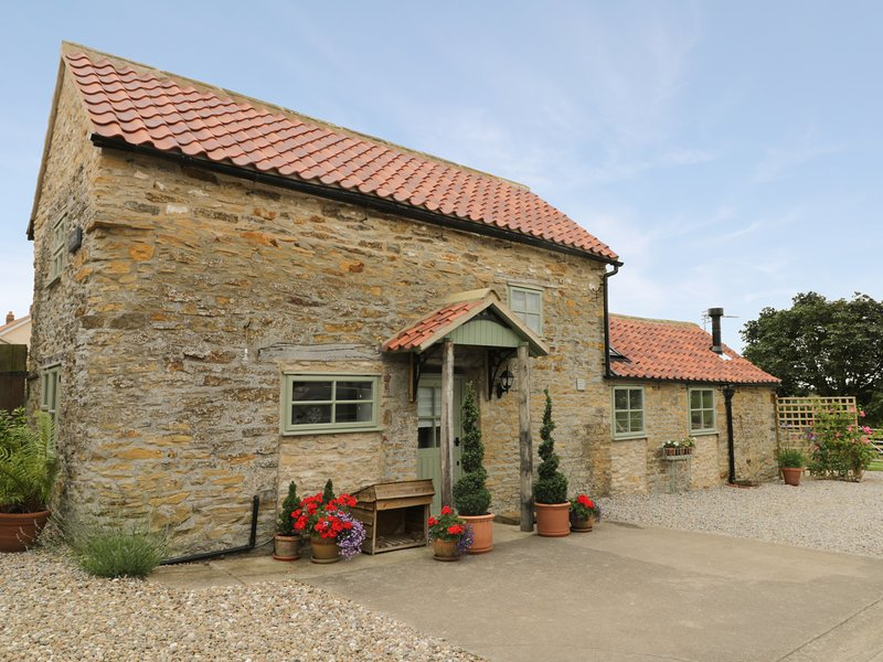 HOBBITS, barn conversion, woodburning stove, WiFi, off road parking, holiday rental in Hovingham