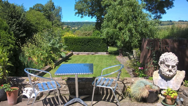 Double ensuite in Barn with beautiful garden views, vacation rental in West Pennard