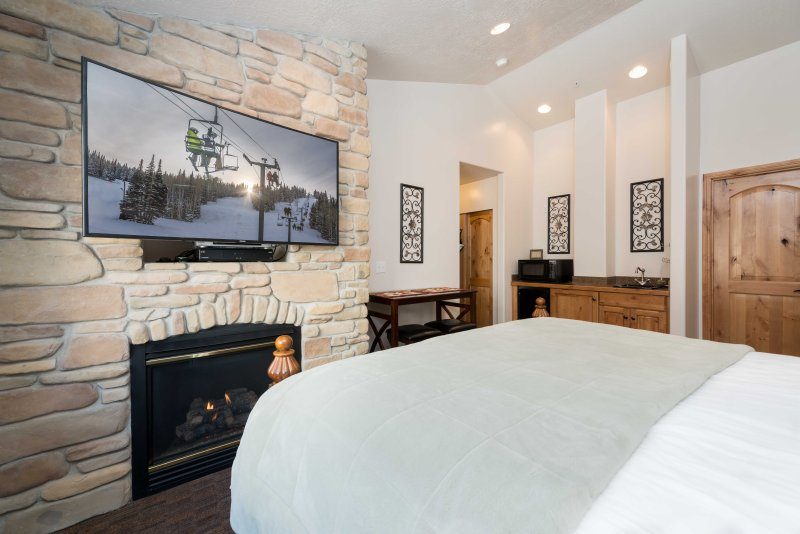 King Bed, Master Suite