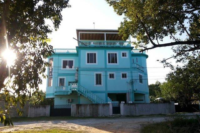 Sonnette est situé près de la petite porte de See Belize Vue sur la mer Location de vacances