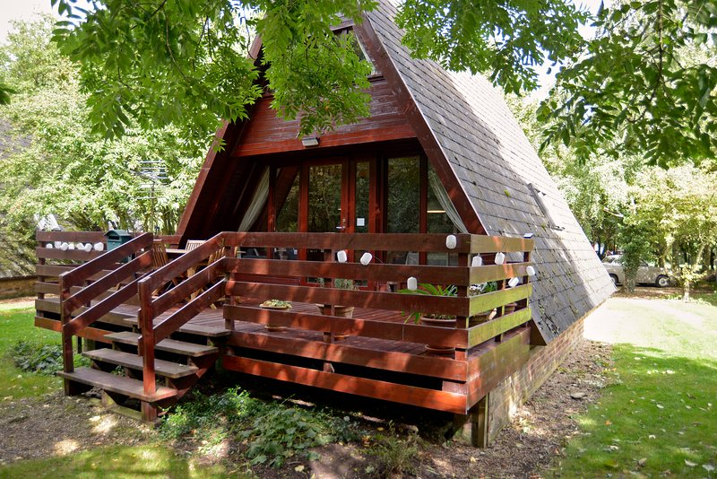 Our wood cabin is on the edge of a nature reserve  with amazing birdwatching.