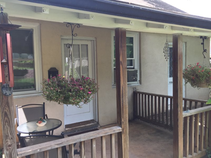 House of Healing Cottage, holiday rental in Orange