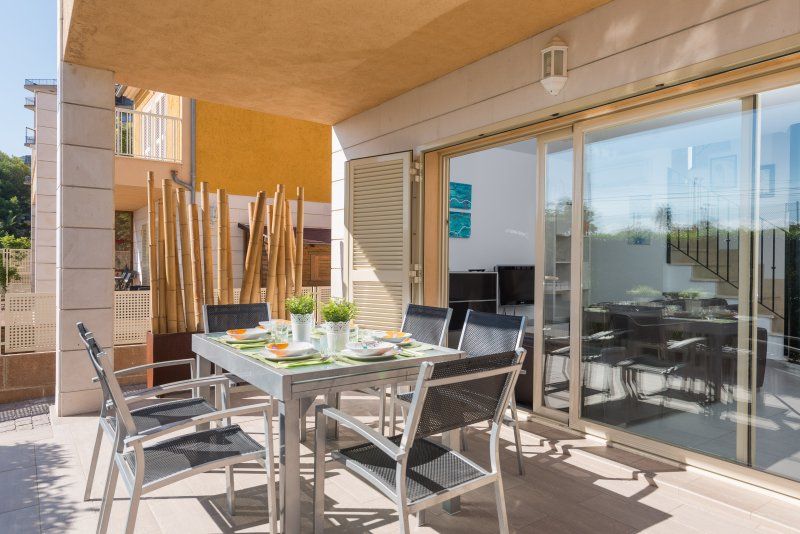 IUCA - Chalet for 6 people in Port d'Alcúdia, holiday rental in Alcudia