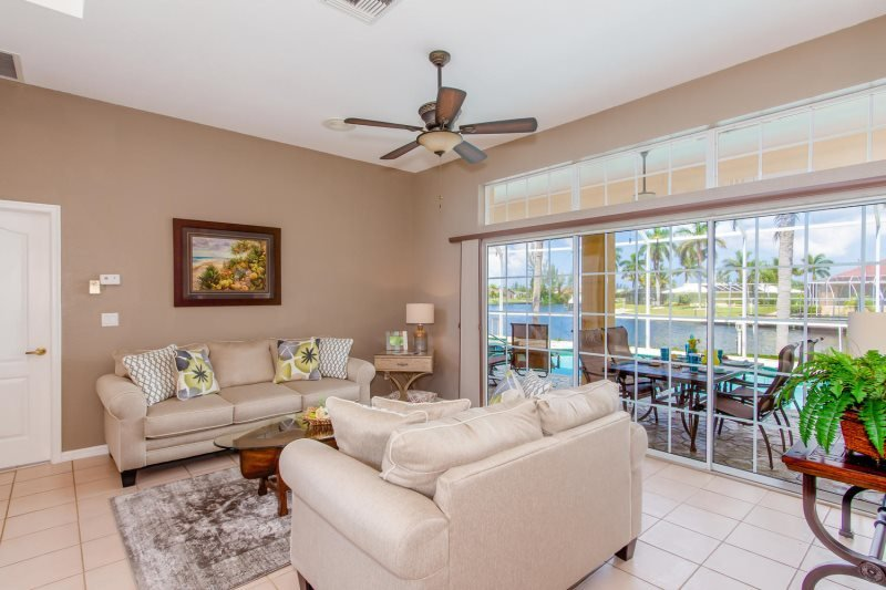 Bonita Breeze 3 Bedroom 3 Bathrooms Situated On An Over Sized