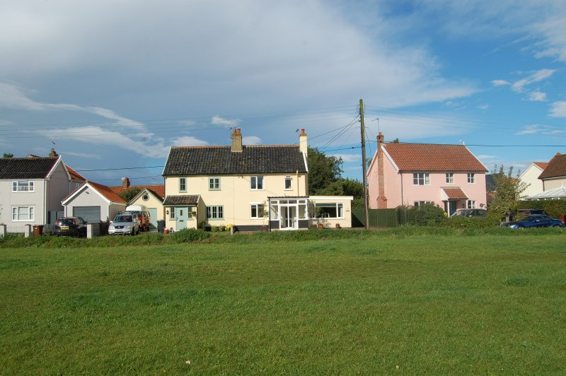 Sage Cottage, Fair Green, entire self catering family home.