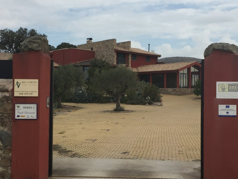CASA RURAL 'VILLA VIVENDI', holiday rental in Las Herencias