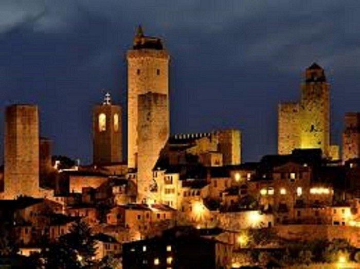 San Gimignano A quelques minutes en voiture