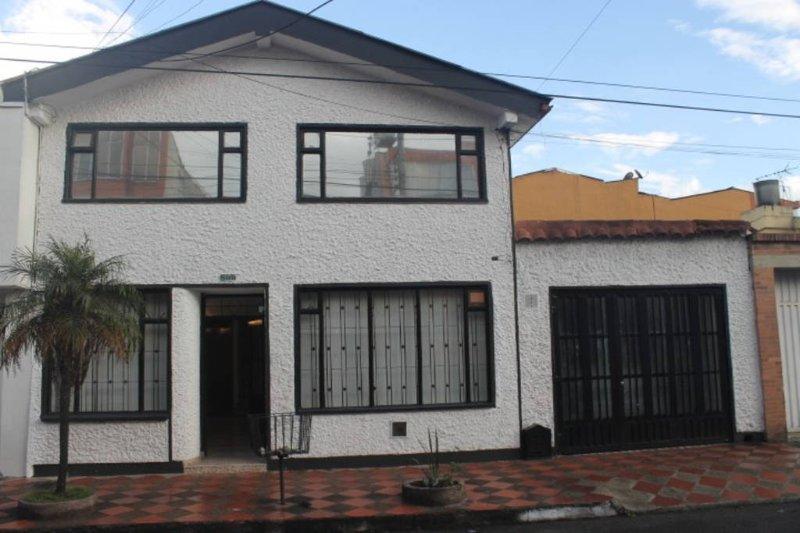 CASA HOTEL PALMA DE ORO, alquiler de vacaciones en Bogotá