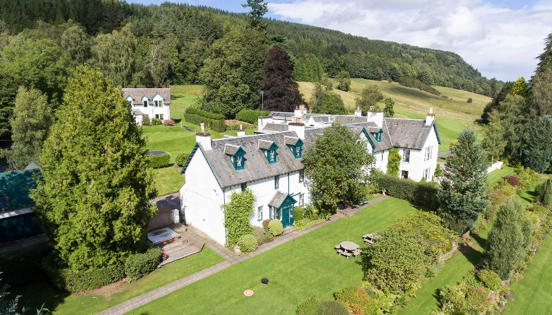 FARLEYER LODGE, holiday rental in Aberfeldy
