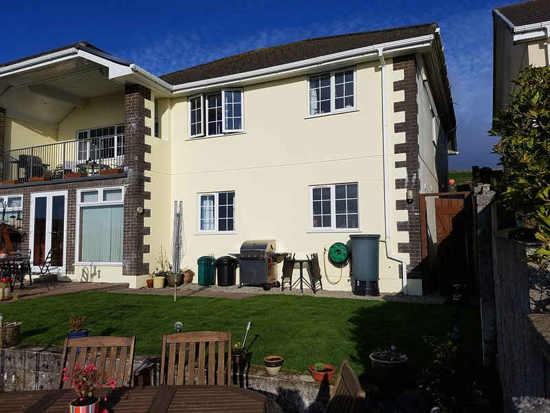 Atlantic Sunset Appartment, Foxhole, Nr St Austell. PL26 7SN, holiday rental in Grampound