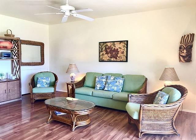Spacious Living Area with sofa sleeper opens to Ocean View Lanai