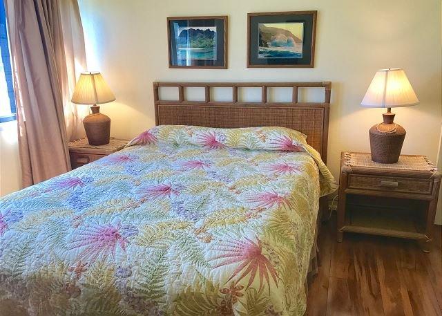 2nd Floor Bedroom with Queen bed and en-suite bathroom