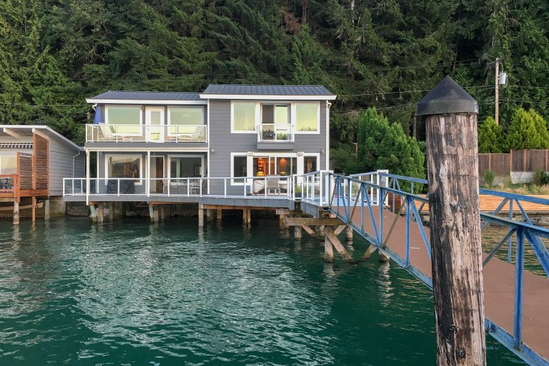 A picturesque waterfront retreat awaits at this Union vacation rental house on the South Shore 'Gold Coast' of Hood Canal!