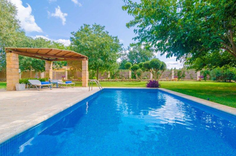 SES TENDES - Villa for 4 people in ALGAIDA, vacation rental in Algaida