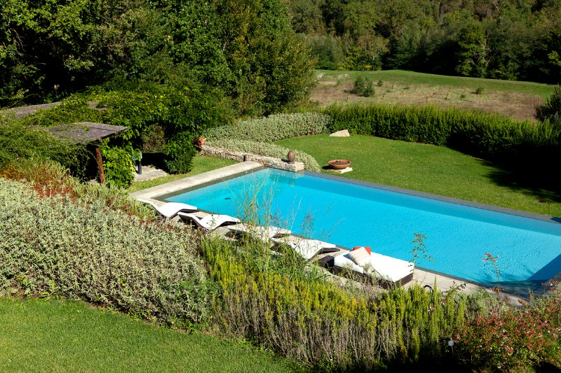 Casale with private pool in Chianti close to Florence, holiday rental in Strada in Chianti