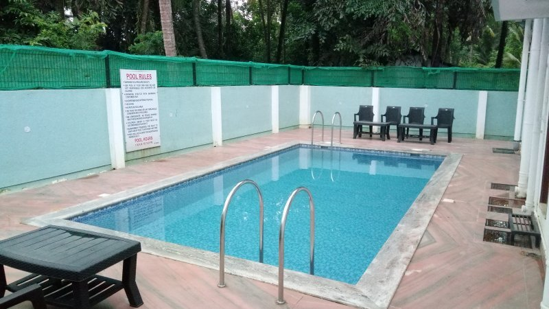 Standard Room Meera Motels And Residency, alquiler vacacional en Colva