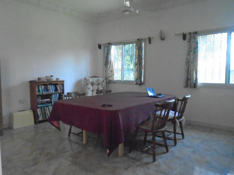 Library / pranzo / angolo tavolo di lavoro, posti a sedere 8 Tabella può essere riportato al giardino per barbecue, ecc, stagione secca.
