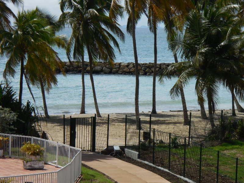 direct and private access to the beach at the foot of the residence