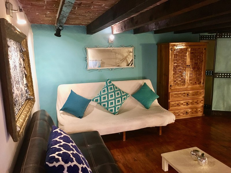 Hay 2 camas dobles y un futón que se convierte en una cama de matrimonio, si así lo desea.