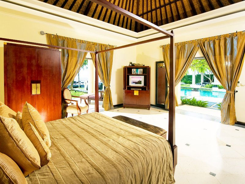 Villa Ylang Ylang - Eastern master bedroom 1