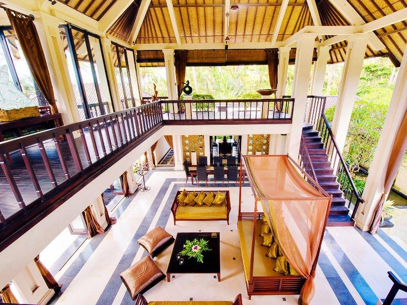 Villa Ylang Ylang - Living bale from upstairs