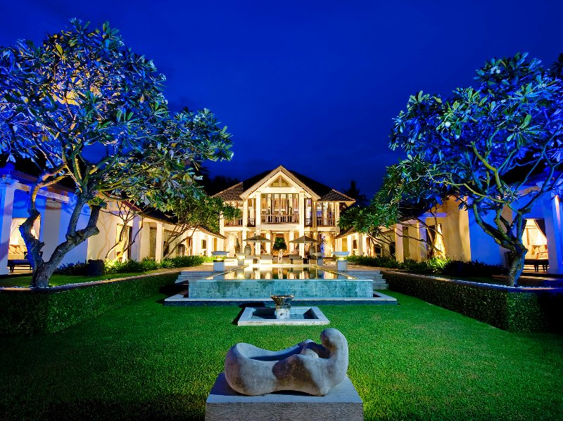 Villa Ylang Ylang - Night time vibes