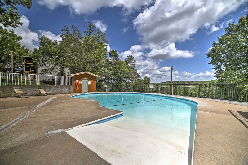 Notch Estates is within close proximity from hiking trails and other activites.