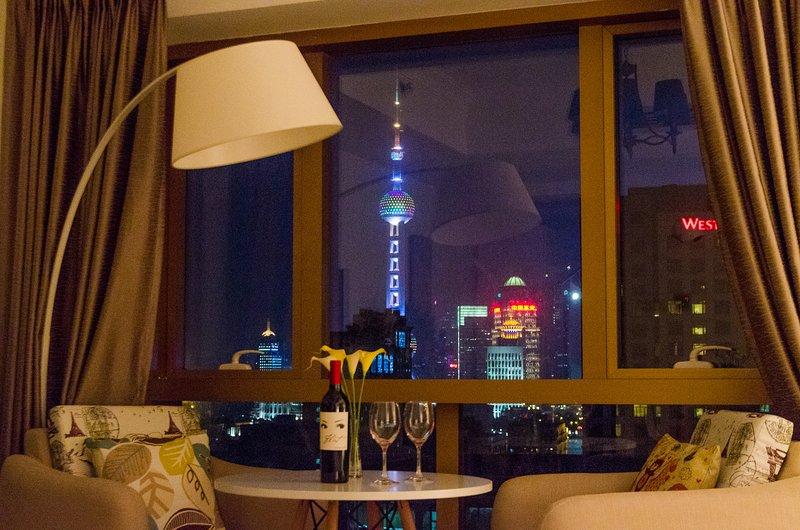 BUND 外滩 Cityscape Dream Shanghai Modern Apartment, holiday rental in Shanghai