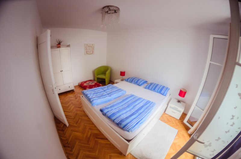 Central Apartment, modern and quiet, holiday rental in Capusu Mic