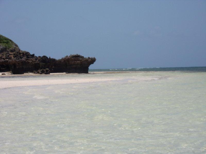 mayungu beach.