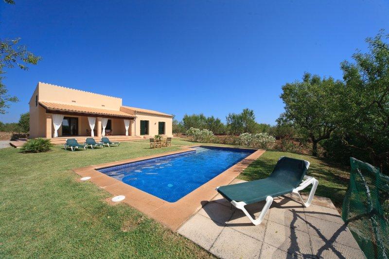 Can Aina, Finca in Son Serra de Marina, holiday rental in Son Serra de Marina