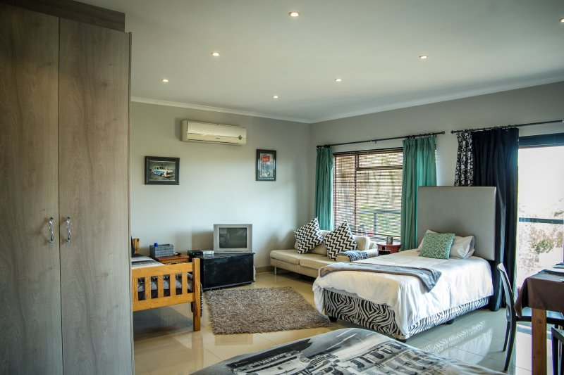 Open plan apartment with 3 beds