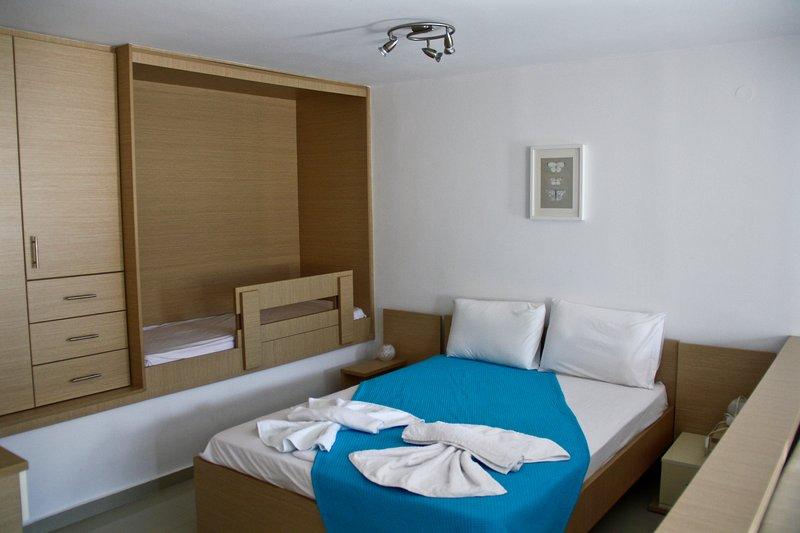 SunOrama Apt-Studio 1, casa vacanza a Almirida