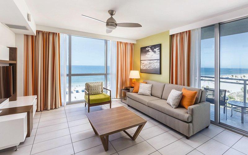Wyndham Clearwater Beach Resort living room