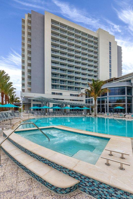 Wyndham Clearwater Beach Resort hot tub