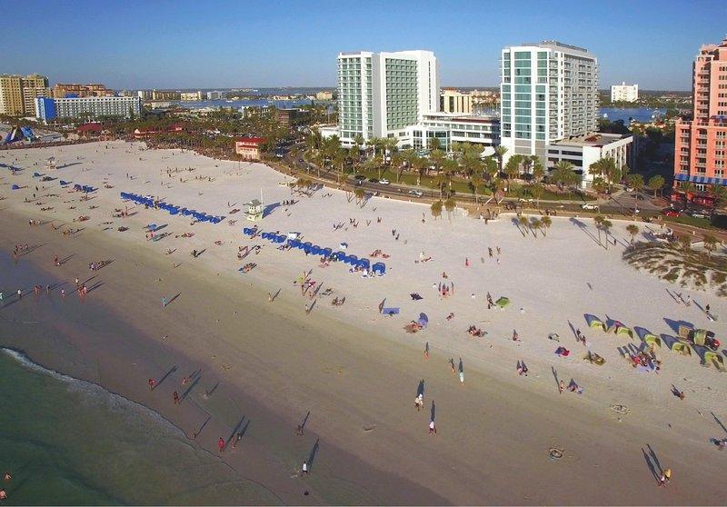 Wyndham Clearwater Beach Resort beach