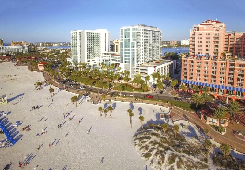 Wyndham Clearwater Beach Resort beach