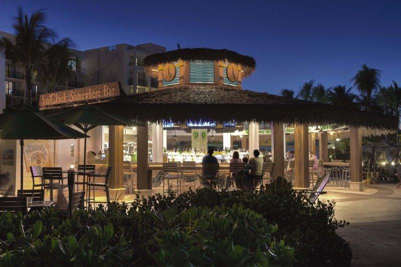 Margaritaville Vacation Club Wyndham Rio Mar bar