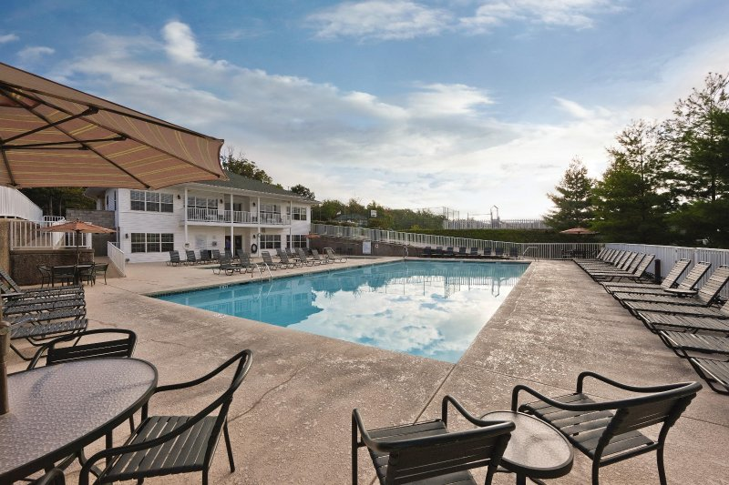 WorldMark Lake of the Ozarks outdoor pool