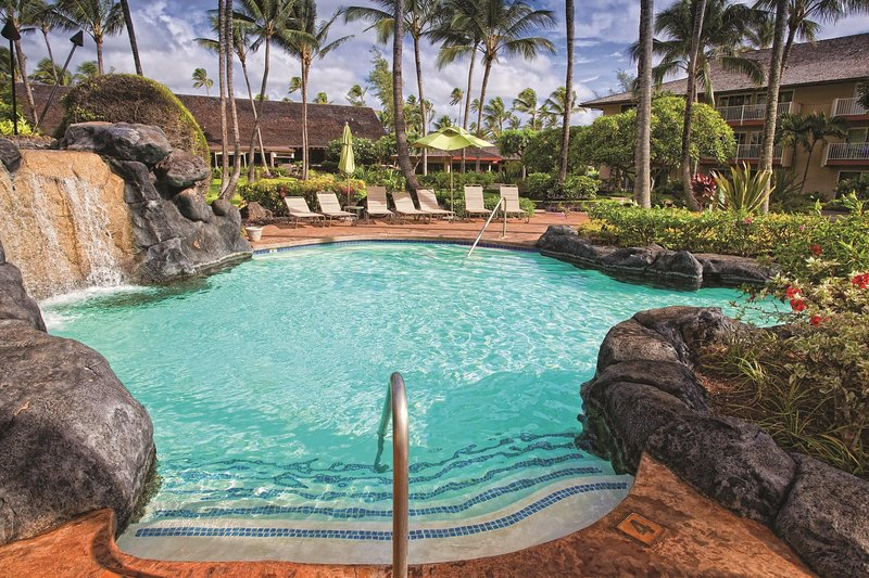 Kauai Coast Resort at the Beachboy outdoor pool