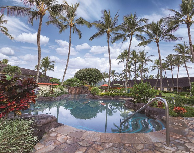 Kauai Coast Resort at the Beachboy outdoor pool