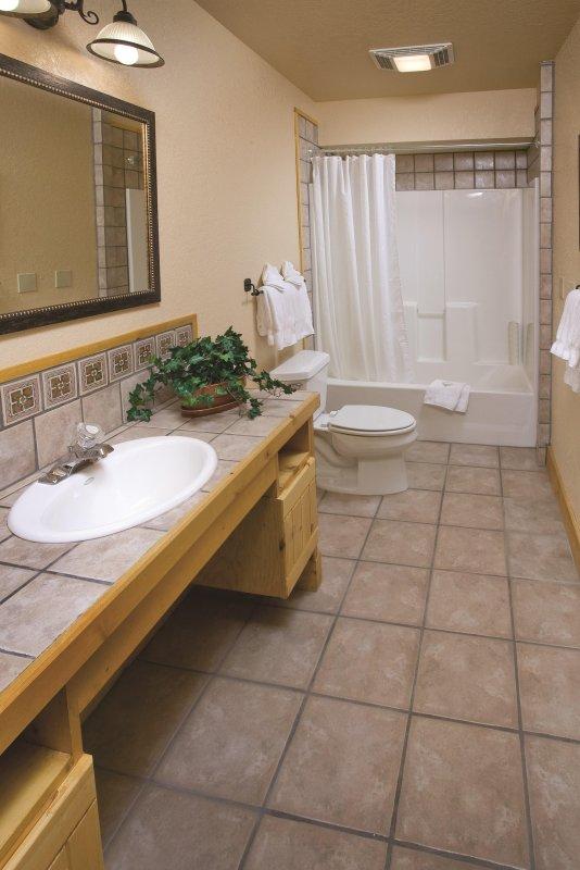 WorldMark Red River bathroom