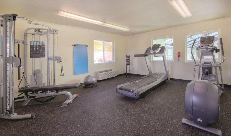 WorldMark Surfside Inn fitness area