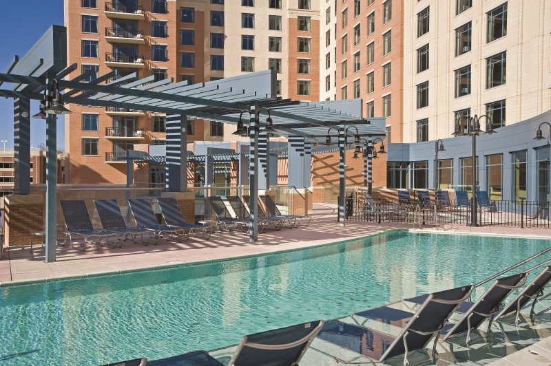 Wyndham Vacation Resorts presso la piscina all'aperto del National Harbor