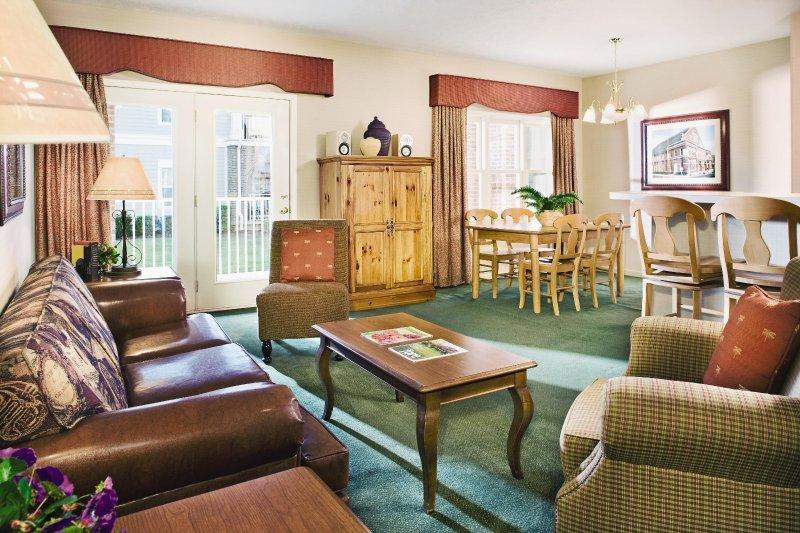 Wyndham Nashville living room