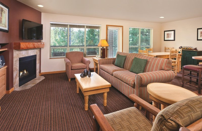 WorldMark McCall living room