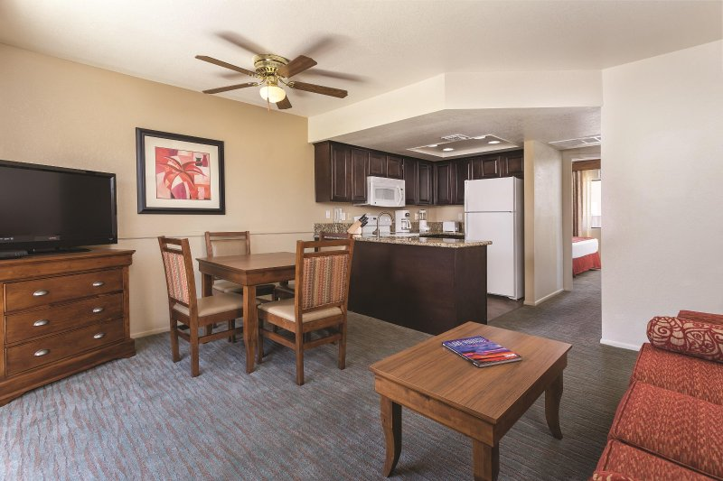Havasu Dunes Resort living room